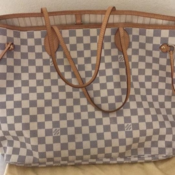 Louis Vuitton Handbags - 💯Authentic Louis Vuitton Neverfull GM Tote